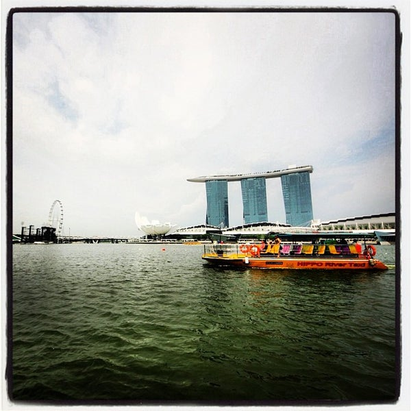 Photo taken at Marina Bay Sands Casino by Shonz G. on 8/12/2012
