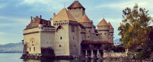 Photo taken at Château de Chillon by Ozge Y. on 10/19/2013