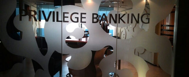 Photo taken at Alliance Bank (Taman Eng Ann) by Onn Z. on 10/15/2014