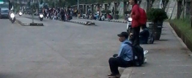 Photo taken at Pangkalan DAMRI Jatinangor by Fauziah A. on 4/17/2014