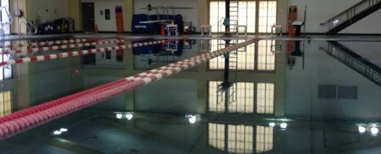 Photo taken at Rinehart Fitness Center by Phalyn M. on 4/8/2012