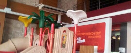 Photo taken at KFC by Josephine D. on 11/24/2011