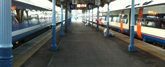 Photo taken at Platform 3a by Michael T. on 6/8/2012
