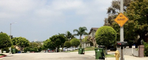 Photo taken at Centinela And Ocean Park Bus Stop by Nikelii B. on 7/6/2012