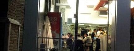 Brasilia Cafe Bar is one of Tapas en Granada / Best tapas in Granada.
