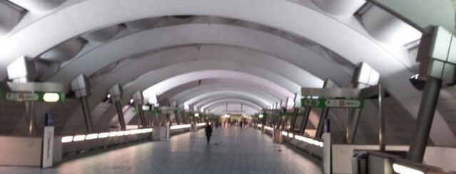 Passante Porta Venezia (linee S) is one of Linee S e Passante Ferroviario di Milano.