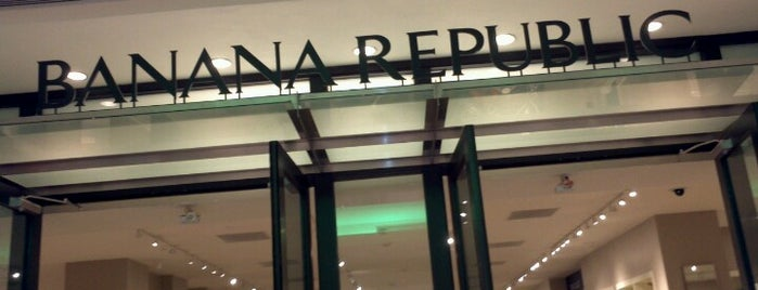 Banana Republic is one of Tiendas en PLAZA.