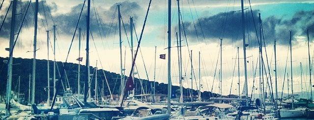 Çeşme Marina is one of Must-visit Great Outdoors in İzmir.