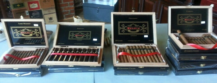 J&J Cigars is one of La Palina Retailers.