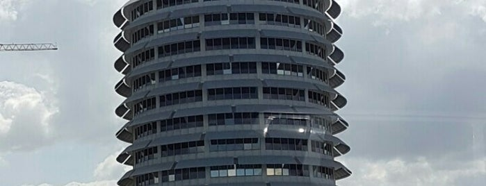 Capitol Records is one of Studio's.