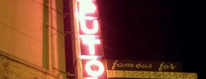 Saputo's Italian Restaurant is one of Springfield, Springfield!!.