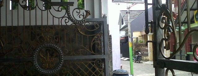 therapy pijat bu istiani (bu iis) petemon kuburan is one of Check in #durjana w/ #mempASUna.