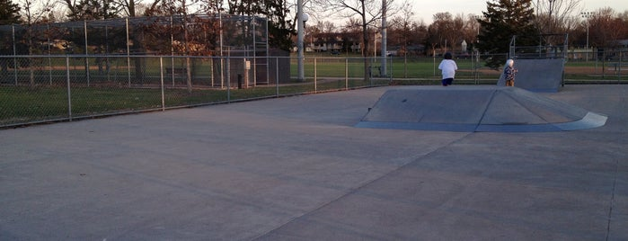 Armatage Skate Park is one of Skate spots.