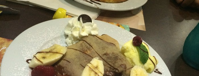 Crepes & Waffles is one of Bares, restaurantes y otros....