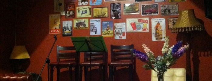 Bistro S Café & Lounge is one of Quán xá.