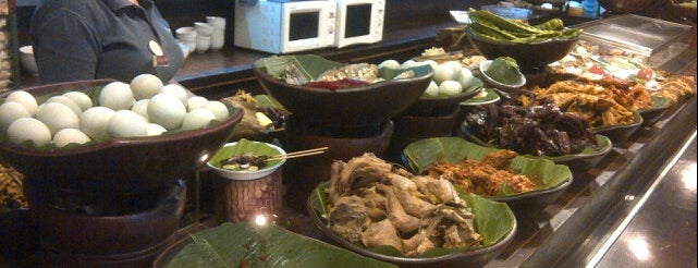 Sajian Sunda Sambara is one of Food Spots @Bandung.