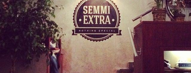 Semmi Extra is one of Megnézni.