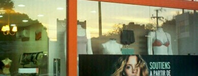 Outlet Lingerie is one of Guia de compras.