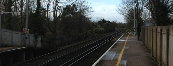 East Malling Railway Station (EML) is one of Train stations.