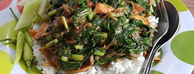 Depot Nasi Sayur H. Tarjo is one of Kuliner Wajib @Surabaya.