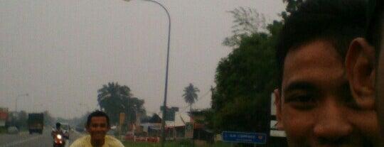 Petronas Kanchong Darat is one of Petrol,Diesel & NGV Station.