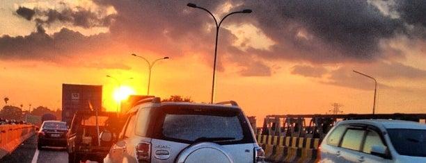 Jalan Tol Reformasi is one of Tempat favorit makassar.