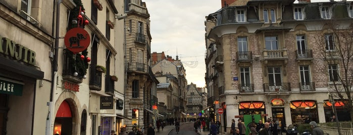 Place Grangier is one of Dijon : rues & places.