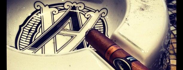 De La Concha Tobacconist is one of Pete NYC.