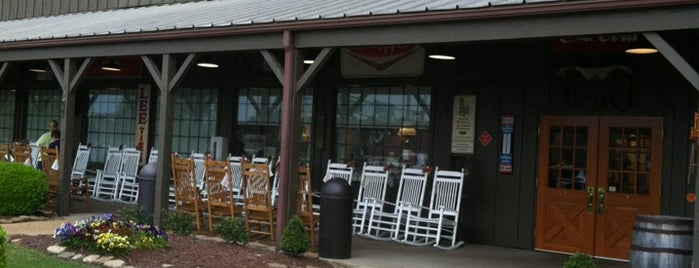 Cracker Barrel Old Country Store is one of Place's I like.