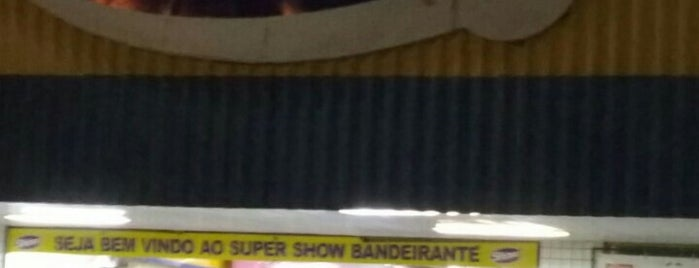 Super Show Supermercados is one of Lugares.