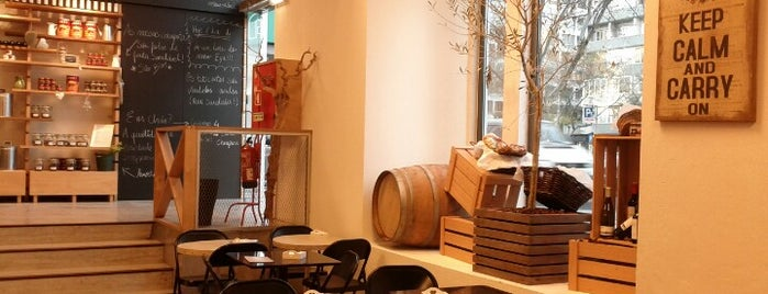 Choupana Caffe is one of Os melhores cafés de Lisboa.