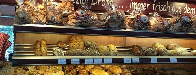 Delicatessen is one of Milano da mangiare.