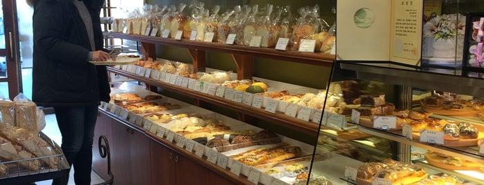 토모니 베이커리 is one of Bread.