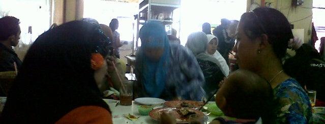 Rumah Makan PUJASERA is one of makan makaaaann.