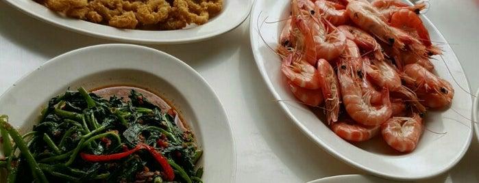 Seafood SF 6 Pantai Mutiara Blok S.F.6 is one of Favorite Food.