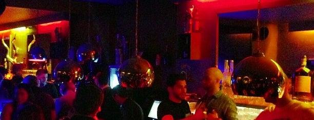 Le Next is one of Bars du Jeudi.