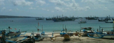 Jimbaran Beach (Pantai Kedonganan) is one of My favourite beaches in the world.