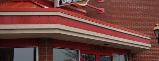 Red Robin Gourmet Burgers is one of Guide to Novi's best spots.
