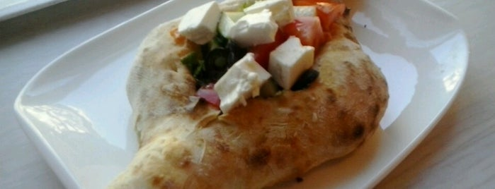 Hachapuri is one of Lunch in central Budapest.