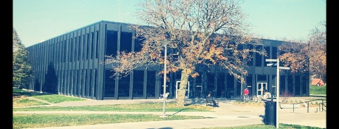 Meredith Hall is one of Drake University.