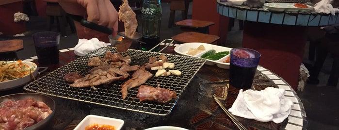 남들갈비 is one of 한국인이 사랑하는 오래된 한식당 100선.