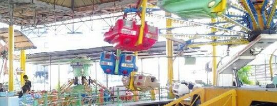 Delta Plaza - Forest Playground is one of Jalan2 Kota SURABAYA.