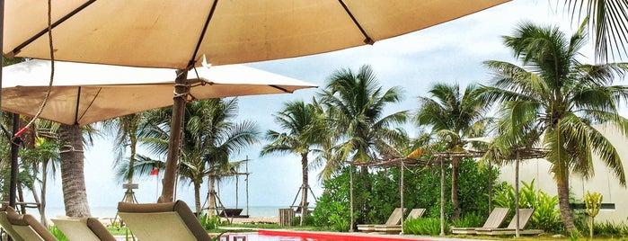RedZ Resort is one of Saved point (。-_-。).
