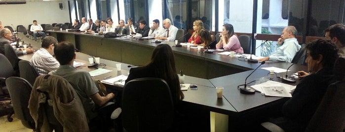 Anexo do Ministério do Trabalho e Emprego is one of Lugares....