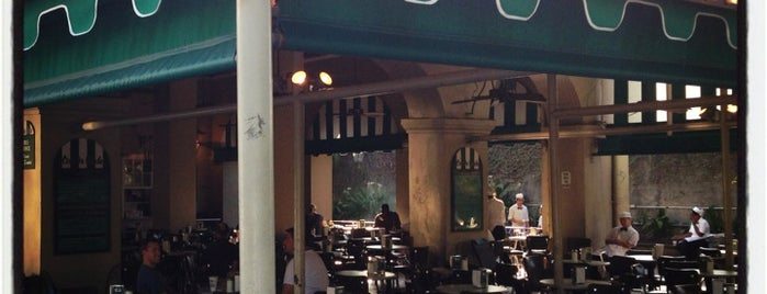 Café du Monde is one of New Orleans Things to Do.
