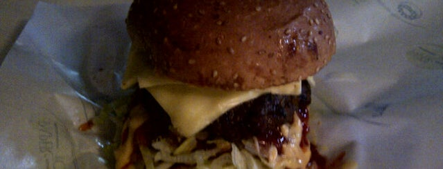 Rawang Burger Bakar is one of Must-visit Food in Kuala Lumpur.