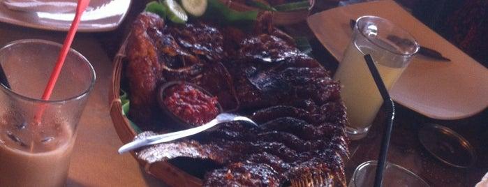 Waroeng djoglo is one of Favorite Food.