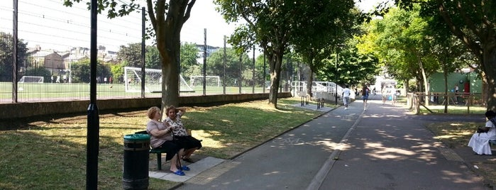 Whittington Park is one of Football grounds in and around London.