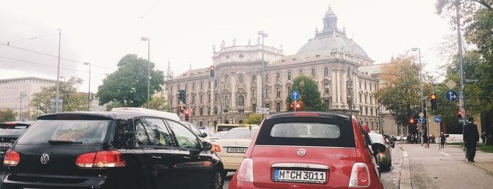H Burghausener Str. is one of München Tramlinie 17.