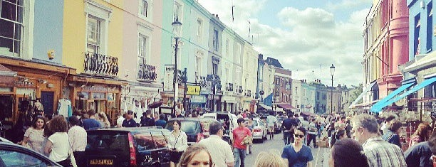 Portobello Road Market is one of Posti da vedere a Londra.